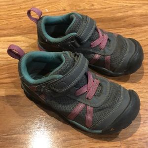 Keen Girls Hiking Shoes Size 11